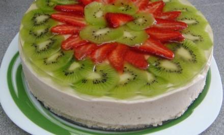 Ovocná piškótová torta plná vitamínov. Nevydrží v chladničke ani jeden deň!