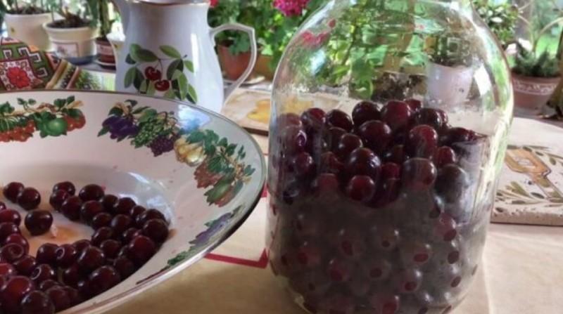 Třešňový likér recept