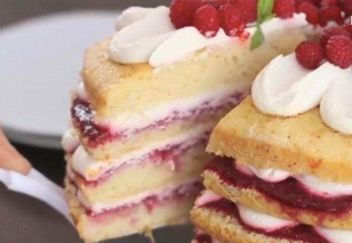 Dokonalý svěží malinový dort s jednoduchou přípravou recept