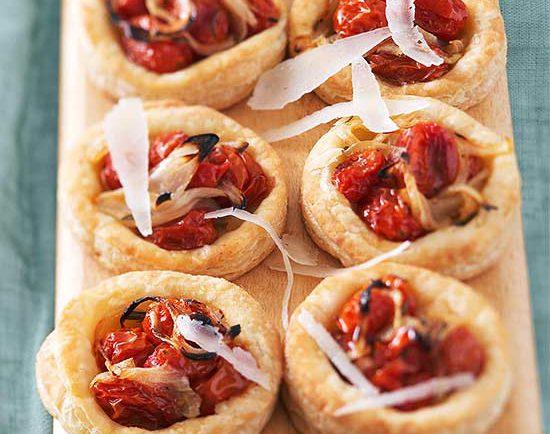 Vynikajúce paradajkové jednohubky s parmezánom