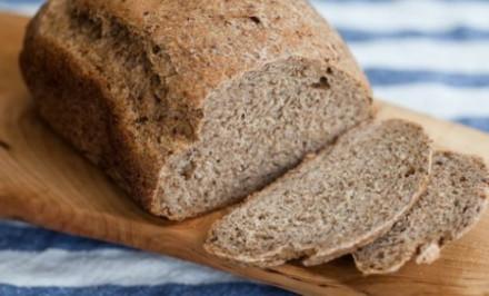 Zdravý chlieb s klíčiacich zŕn pšenice