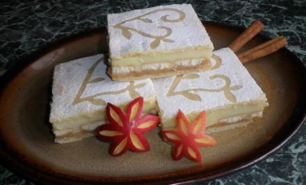 Jablkové rezy s vanilkovým pudingom podľa Danulky