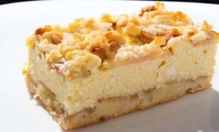 Strúhaný koláč s tvarohom a jablkami