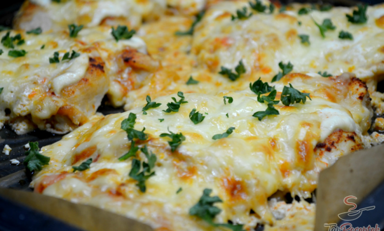 Kuřecí prsa se zakysanou smetanou a sýrem