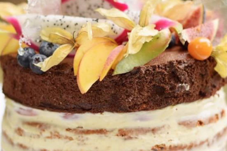 Krásný ovocný dort k narozeninám