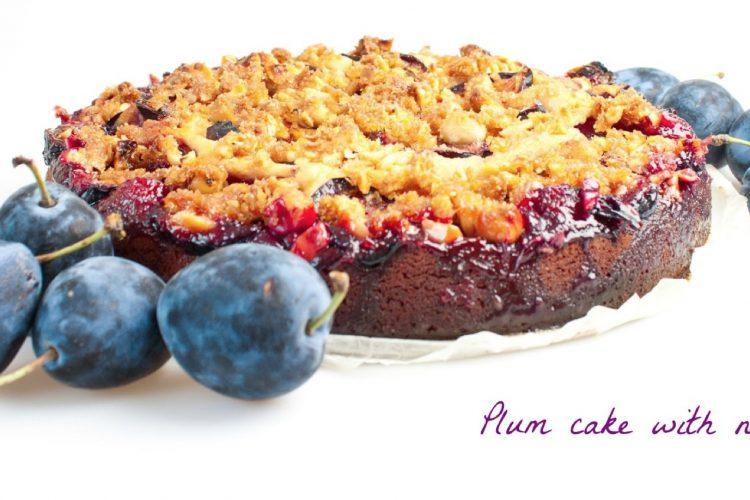 Švestkový koláč s lískovými ořechy