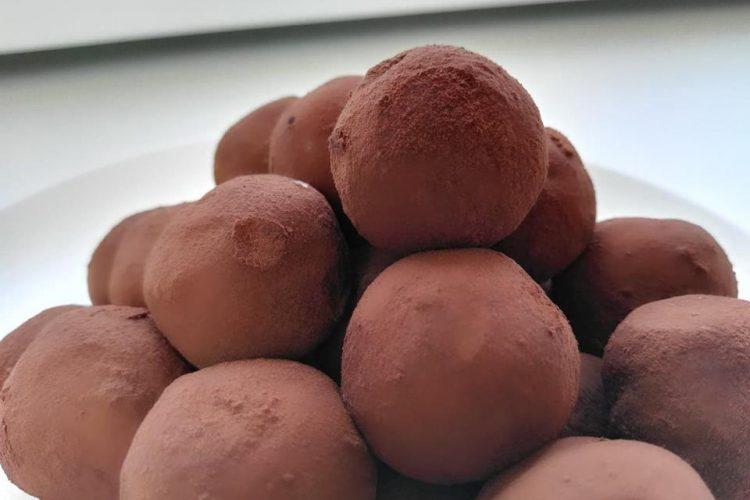 Jednoduché nepečené Tiramisu kuličky – truffles