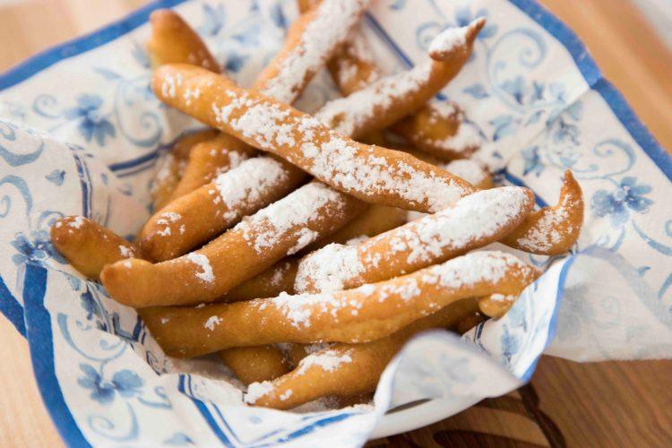 Video: Smažené vanilkové tyčinky hotové za 25 minut