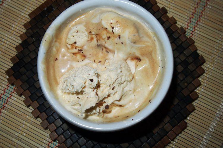 Domácí italská vanilková zmrzlina