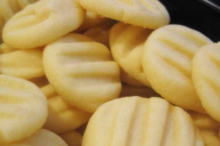 Rychlé máslovo-vanilkové sušenky ke kávě
