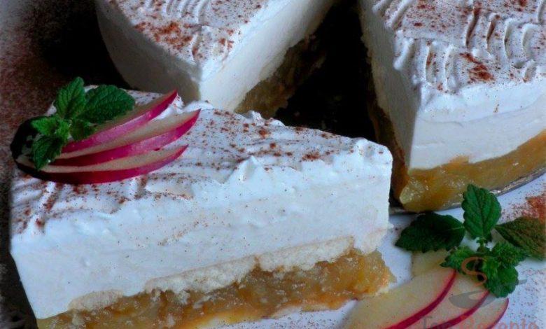 Jablkový dortík se skořicovou pěnou