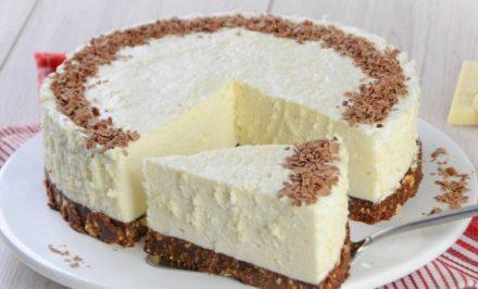 Výborná nepečená torta z bielej čokolády