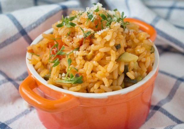 Vynikajúca zeleninová ryža s parmezánom