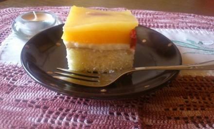 Jednoduchý ovocný koláč s pudingovou čiapkou