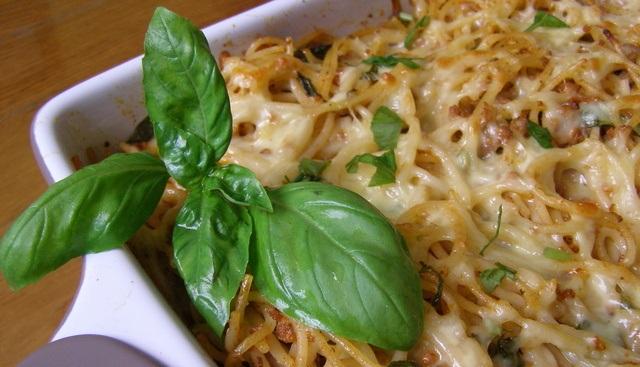 Pravé Talianske zapečené špagety so syrom
