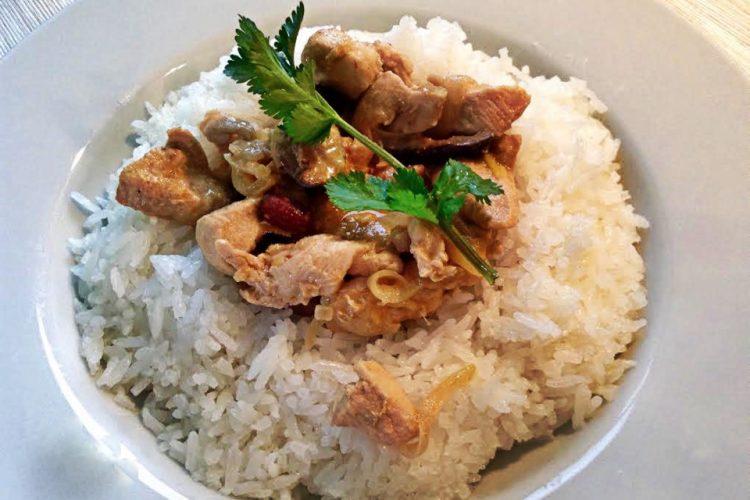 Kuřecí nudličky po thajsku s jasmínovou rýží