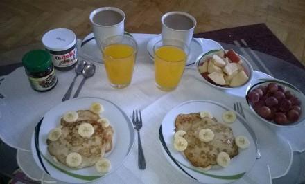 Rýchle ľahké a navyše zdravé raňajky. Ranná dávka bielkovín, sacharidov, vitamínov a životabudičov. Naštartujte deň správnou nohou.