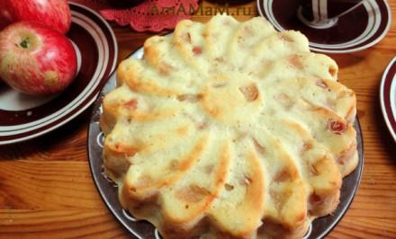 Jednoduchá jablková torta s jogurtovým cestom. Je nenáročná na prípravu a s báječnou chuťou.