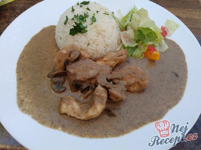 Kuřecí nudličky na žampionech s jasmínovou rýží
