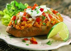 Zapekané zemiaky plnené bryndzou – jednoduchá klasika na každý stôl