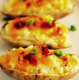 Zapečené zemiaky so syrom a slaninou