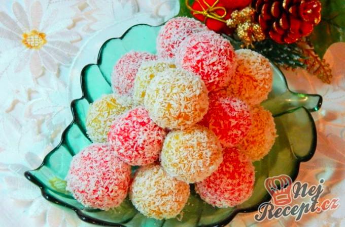 Nepečené kulky ze sušeného ovoce