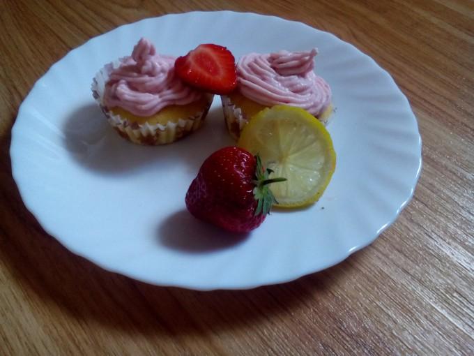 Jahodové cupcakes