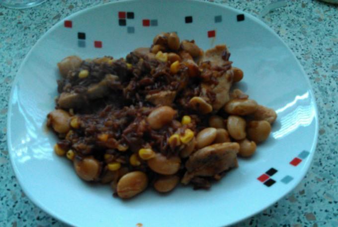 Kuřecí stehna na paprice s fazolemi