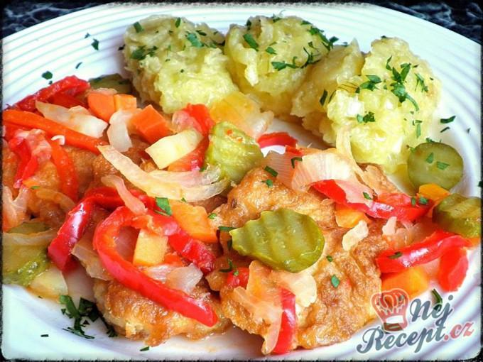 Obrácené řízečky v pikantní zelenině