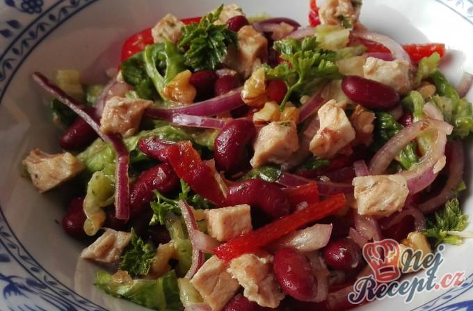 Lahodný salát s fazolemi