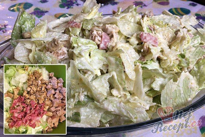 Cézar salát s kuřecím masem