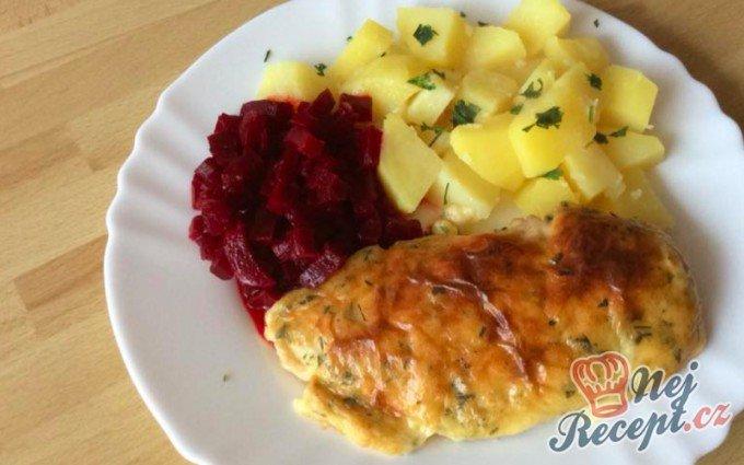 Pikantní kuřecí řízky s brambory