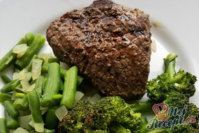Hovězí steak se zeleninou