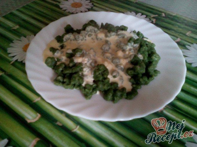 Špenátové halušky se sýrovou omáčkou