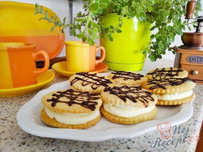Sušenky s kokosovým krémem