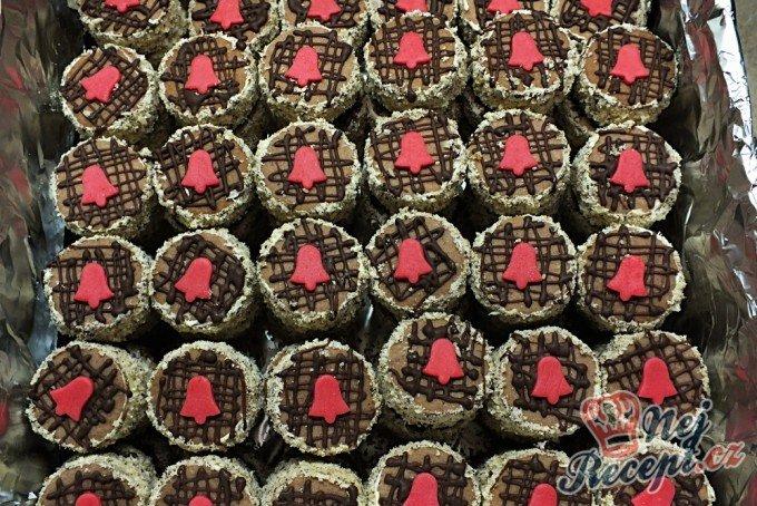 Išlské dortíčky zdobené marcipánem