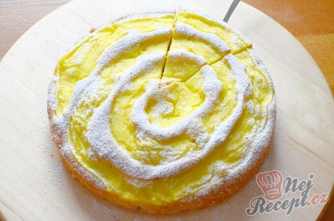 Jablečný koláč, který si zamiluje celá rodina.