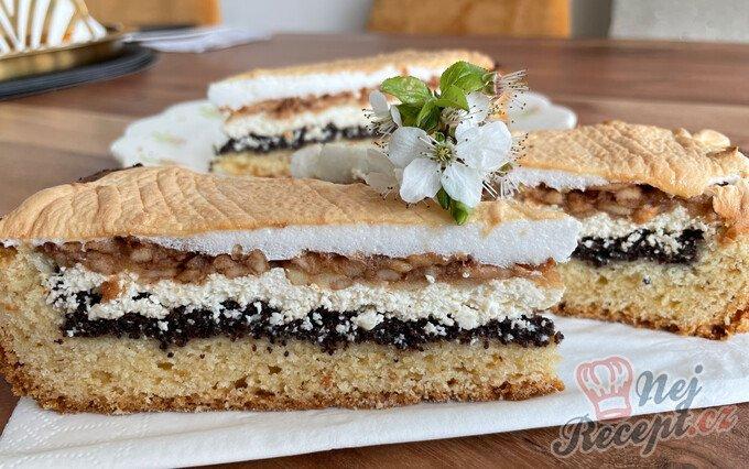 Štědrý koláč se sněhovou peřinkou