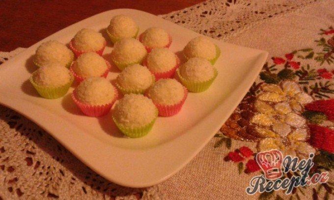 Vánoční bonbony z kokosu