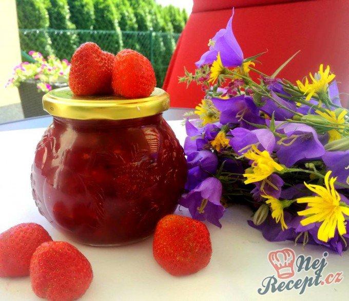 Jahodová marmeláda s mátou (s kousky jahod) bez přidání cukru